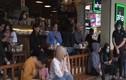 Video: vừa nới cách ly, cafe san sát người, trà đá vỉa hè vô tư hoạt động