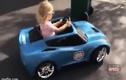 Video: Nhóc tỳ 4 tuổi lái ô tô siêu đẳng như tay đua F1