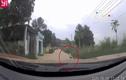 Video: Tài xế phản xạ thần tốc cứu sống bé trai