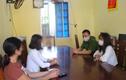 2 thiếu nữ Nghệ An bị giam trong quán karaoke Bắc Giang