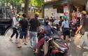 Đánh ghen giữa phố: 'Tiểu tam' nhục nhã, người vợ thiệt hại nặng nề