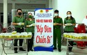 Bếp đêm chiến sĩ nấu hàng nghìn suất ăn gửi đi chống dịch
