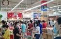 Hà Nội nới lỏng giãn cách, siêu thị đông nghịt người mua