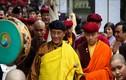 Đội mưa nghe Đức Pháp Vương Gyalwang Drukpa thuyết giảng
