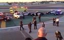 Máy bay chở khách Mỹ nổ lốp khi sắp cất cánh