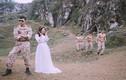 """Ảnh cưới """"Hậu duệ mặt trời"""" chụp ở núi Trầm siêu độc"""
