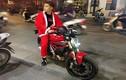 """""""Anh già Noel"""" đi Ducati và hành động ý nghĩa trong đêm Giáng sinh"""