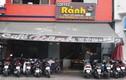Tiệm cắt tóc, quán cà phê ở TP HCM đông nghẹt khách trong ngày đầu gỡ lệnh cách ly xã hội