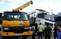 Toàn cảnh tai nạn khiến 2 cô gái dính chặt dưới bánh xe tải