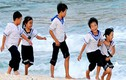 Ngày hè vui tươi của trẻ em biển đảo
