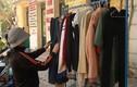 """Ấm lòng tủ quần áo mùa đông """"ai thiếu đến lấy"""" ở Hà Nội"""