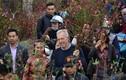 Ảnh: Ấn tượng Đại sứ Mỹ thả cá và đi chợ hoa Hà Nội