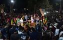 Ảnh: Hàng nghìn người chen nhau xem lễ hội phồn thực giữa khuya