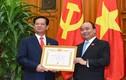 Nguyên Thủ tướng Nguyễn Tấn Dũng nhận huy hiệu 50 năm tuổi Đảng