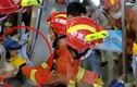 Video: Nghẹt thở xem giải cứu bé trai kẹt đầu giữa hai cửa kính
