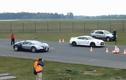 Nissan GT-R đối đầu với vua tốc độ Bugatti Veyron
