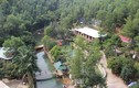 """Tháo dỡ khu du lịch """"mọc"""" trái phép bên suối ở Quảng Ninh"""