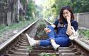 Giới trẻ Hà Nội săn ảnh cực chất ở khu đường tàu hỏa