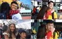 Sao U23 Việt Nam biểu cảm ra sao khi gái xinh đứng cạnh