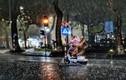 Hà Nội và cơn mưa trong tiết thu đẹp nao lòng dân mạng