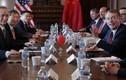 Đoàn đàm phán Trung Quốc tại Washington khổ sở vì biểu tình