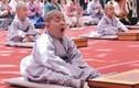 """""""Cưng muốn xỉu"""" với biểu cảm các chú tiểu trong ngày lễ Phật đản"""