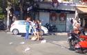 Nữ lao công bị đánh vì nhắc nhở chủ shop thời trang vứt rác bừa bãi