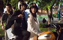 """Ngọc Trinh lái môtô Ducati Scrambler đưa bạn trai """"đi trốn"""""""