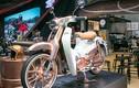 """Honda Super Cub C125 mạ vàng """"chói mắt"""" tại Thái Lan"""