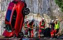 Volvo thả 10 chiếc ôtô từ độ cao 30m, kiểm tra độ an toàn