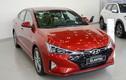 """Hyundai Elantra giảm 40 triệu tại Việt Nam, """"đấu"""" Kia Cerato"""