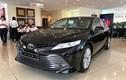 """Toyota Camry tại Việt Nam giảm 40 triệu đồng """"đấu"""" Vinfast Lux A2.0"""