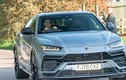 """""""Tóm gọn"""" Cristiano Ronaldo lái SUV Lamborghini Urus tại Manchester"""