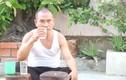 Chuyện khó tin về người đàn ông 30 năm ăn thủy tinh