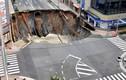 """Khoảnh khắc đường phố Nhật thành """"hố tử thần"""" trong vài giây"""