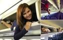 Tiếp viên hàng không nằm trên ngăn hành lý gây sốt mạng
