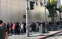 Apple Store tê liệt ngày mở bán, nhiều người không thể mua iPhone mới
