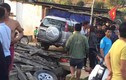 Ô tô điên ủi bay nhiều xe máy, đâm tử vong 1 phụ nữ
