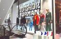 Thời trang Topshop hội chị em mê mẩn phá sản, đóng hết cửa hàng ở Mỹ