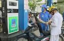 """Giá xăng sắp giảm mạnh: Cần làm gì để """"giải cứu"""" loại xăng E5 đặc biệt?"""