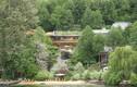 Bí mật dinh thự ven sông hàng nghìn m2 của Bill Gates