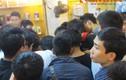 Nghẹt thở tranh mua BlackBerry Z10 siêu rẻ ở Hà Nội