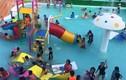 Cậu bé 9 tuổi chết đuối trong hồ bơi đông người