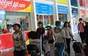 Bắt 2 nhân viên sân bay trộm hành lý ở Hà Nội