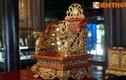 Lóa mắt trước loạt đồ nội thất dát vàng của vua nhà Nguyễn