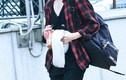 Đẹp như Kang Daniel nhờ áo phông, quần jeans 'chất như nước cất'