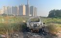 Hiện trường vụ ôtô cháy phừng phừng, nghi liên quan án mạng
