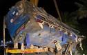 Xe khách chở 46 người lật nhào trên đường đúng đêm mùng 1 Tết