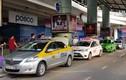 Nhân viên sân bay Nội Bài bị lái xe taxi cầm dao dọa đâm