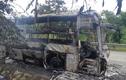 30 hành khách hoảng loạn tháo chạy khi xe giường nằm bốc cháy